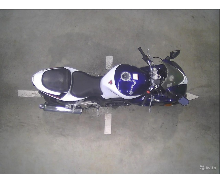 SUZUKI SV400S